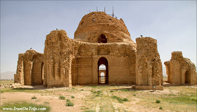 Sarvestan Palace in Shiran-Historical Places of Iran